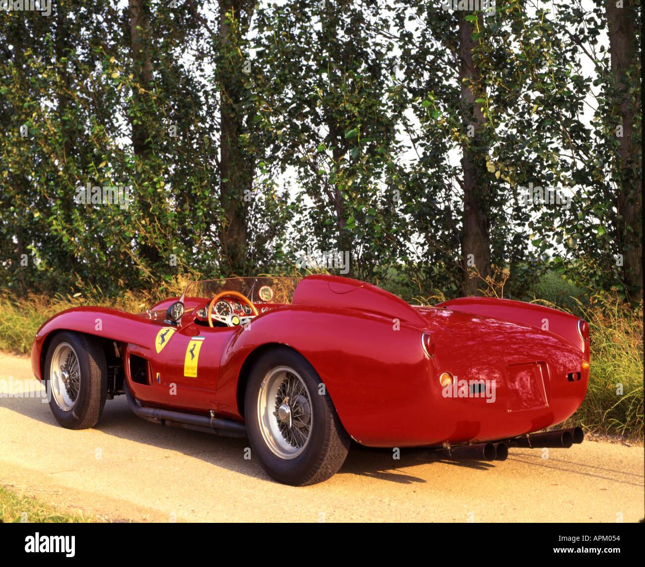 1957 Scuderia Ferrari Testa Rossa hinten 3 4 Stockbild