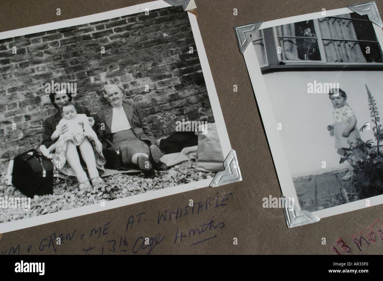 Nostalgie alte Schwarz-Weiß-Fotografien zeigt Großmutter Mutter und Kind in den 1950er Jahren genommen Stockbild
