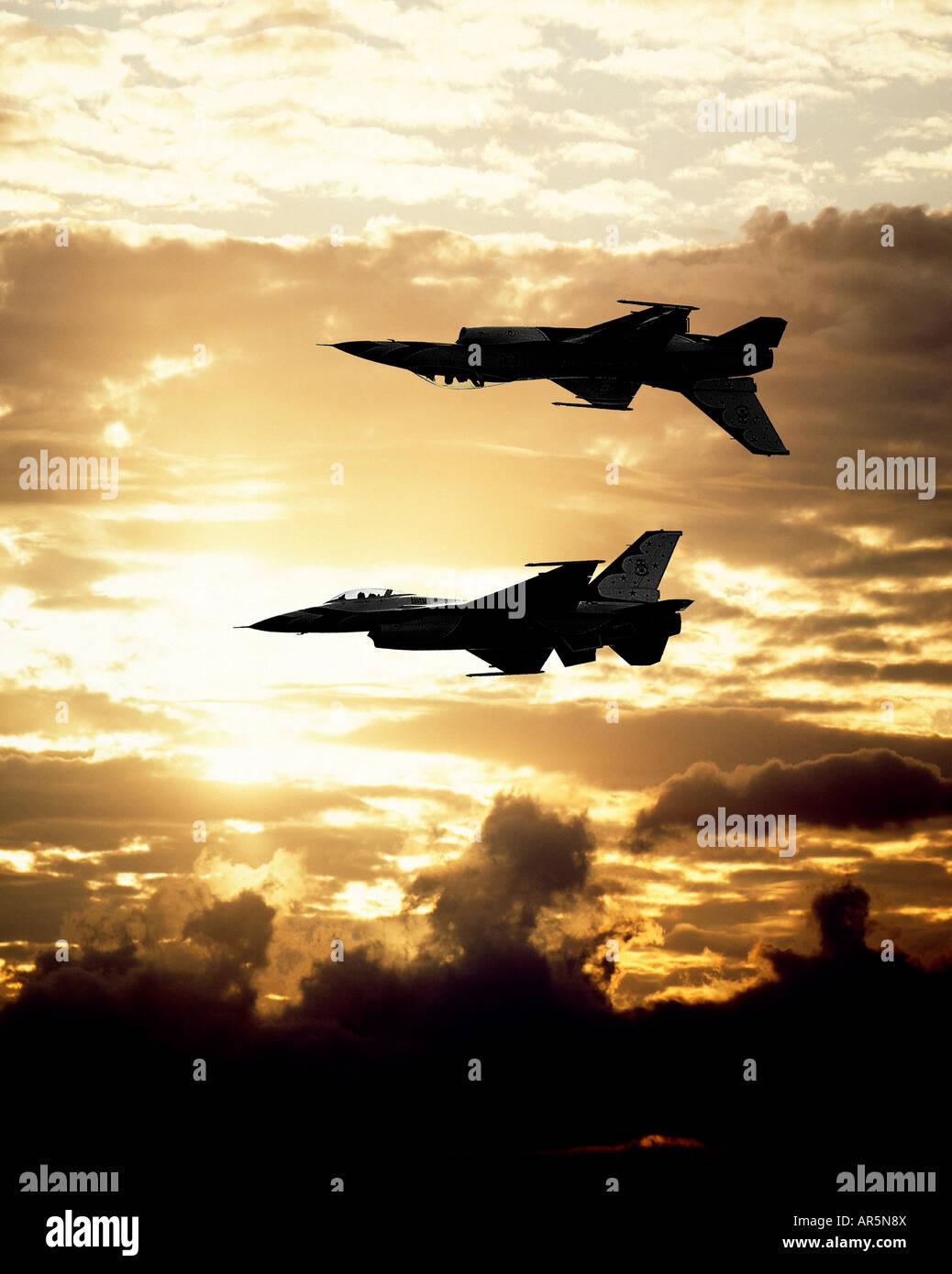 US-Thunderbirds im Flug auf Airshow, Smyrna, Tennessee Stockbild