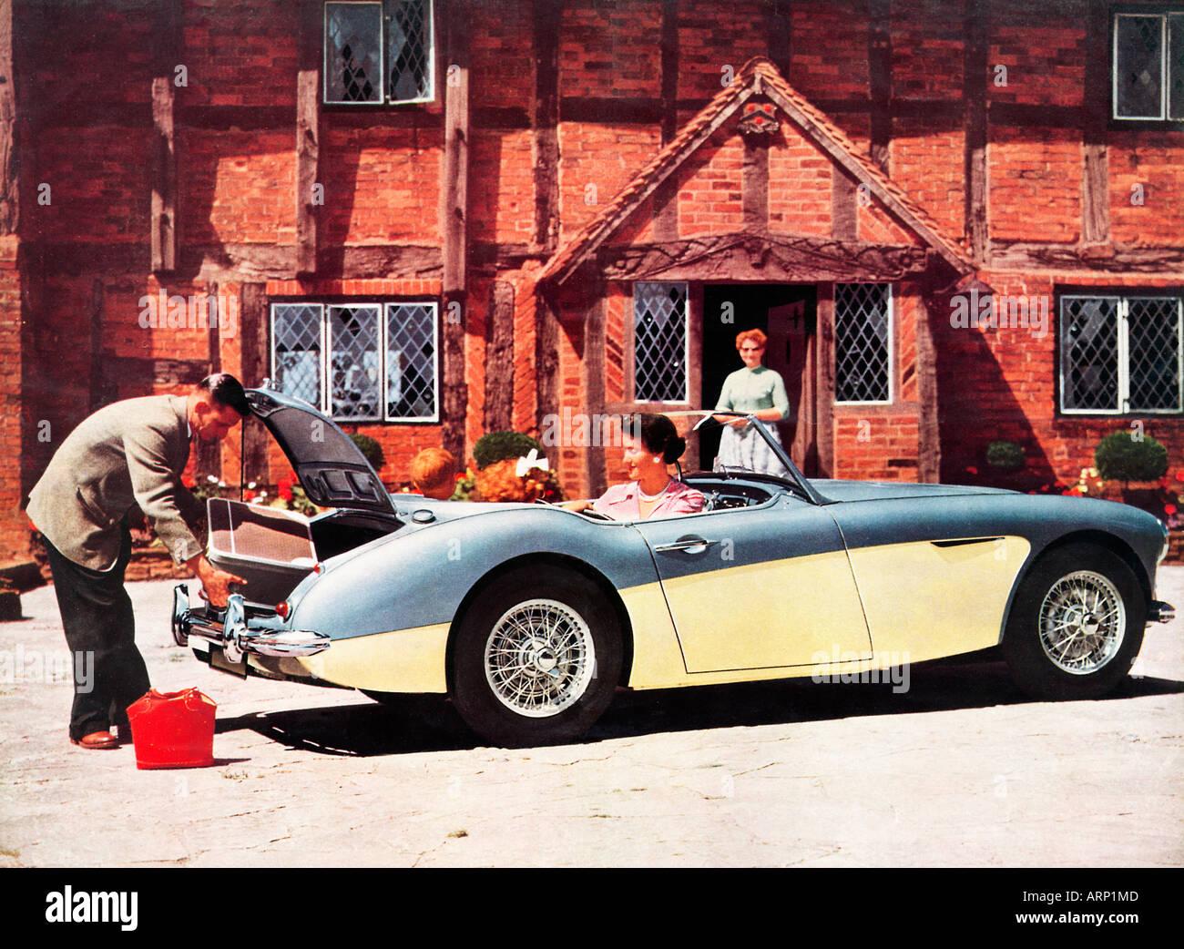 Austin Healey 100 sechs 1957 Broschüre Foto des Modells klassischen Sportwagen mit Platz für die ganze Stockbild