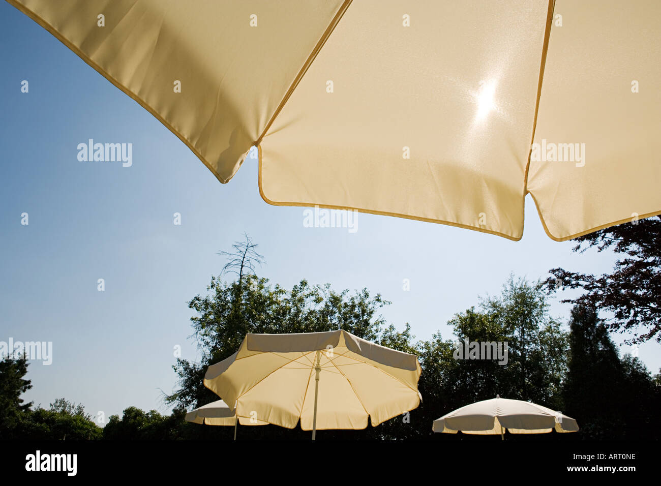 parasols stockfotos parasols bilder alamy. Black Bedroom Furniture Sets. Home Design Ideas