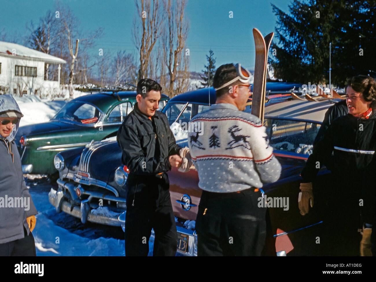 Skifahren der 1950er Jahre Stil, graue Felsen, Mount Tremblant, Quebec, Kanada, 1955 Stockbild