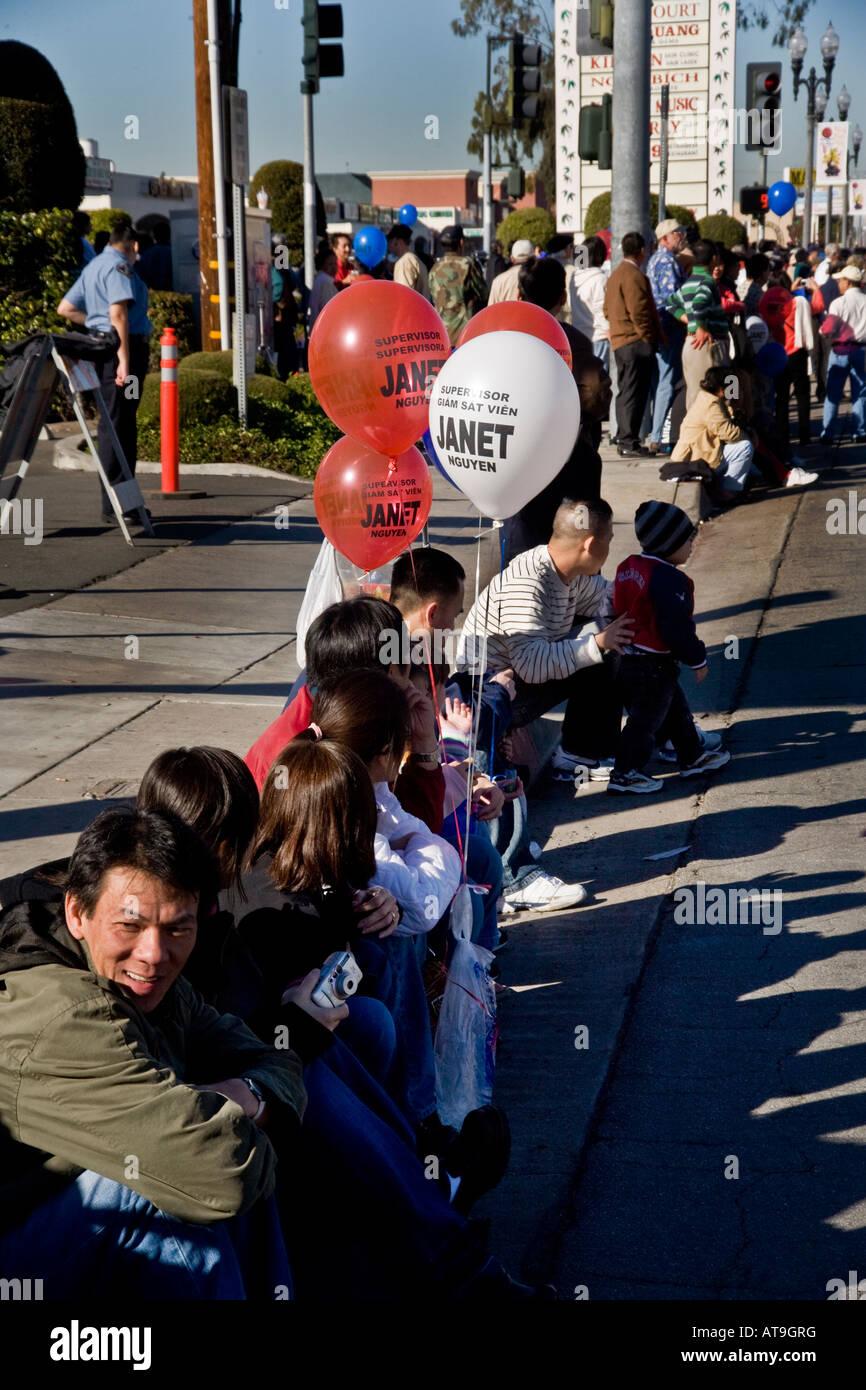 """Vietnamesisch-amerikanische Politiker Ballons an Tet Parade """"Little Saigon"""" Westminster California Stockbild"""
