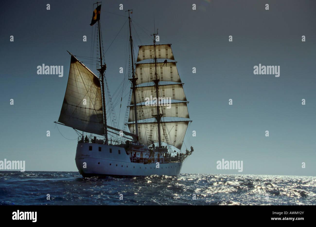 Segelschiffe auf dem meer  Drei-Mast-Segelschiff Amorina, Rotes Meer Stockfoto, Bild: 16617362 ...