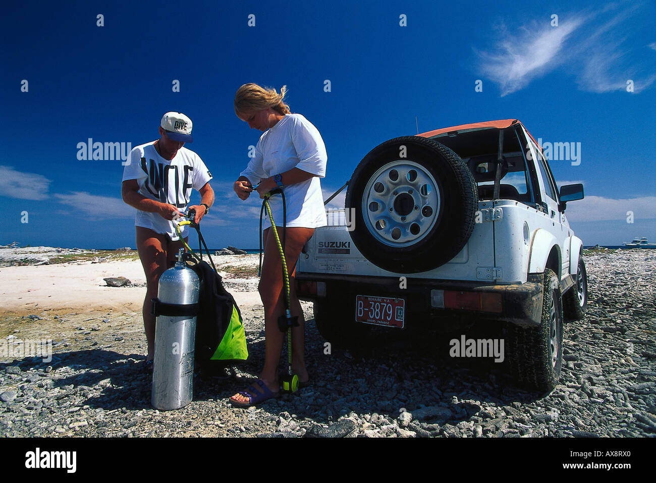 Jeep, Tauchvorbereitung, Bonaire, Niederlaendische Antillen Karibik Stockbild