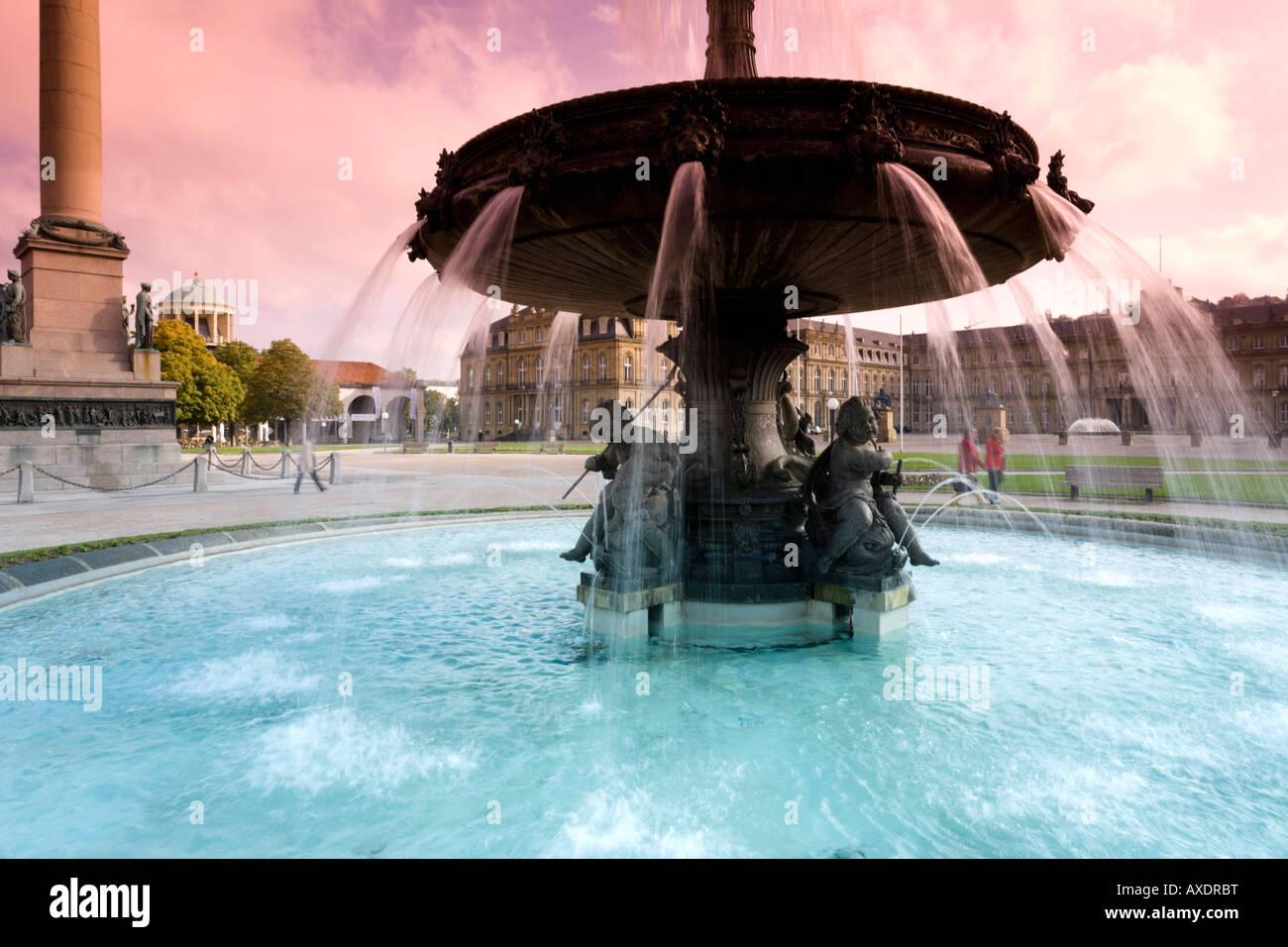 Deutschland, Stuttgart, Brunnen am Schlossplatz Stockbild