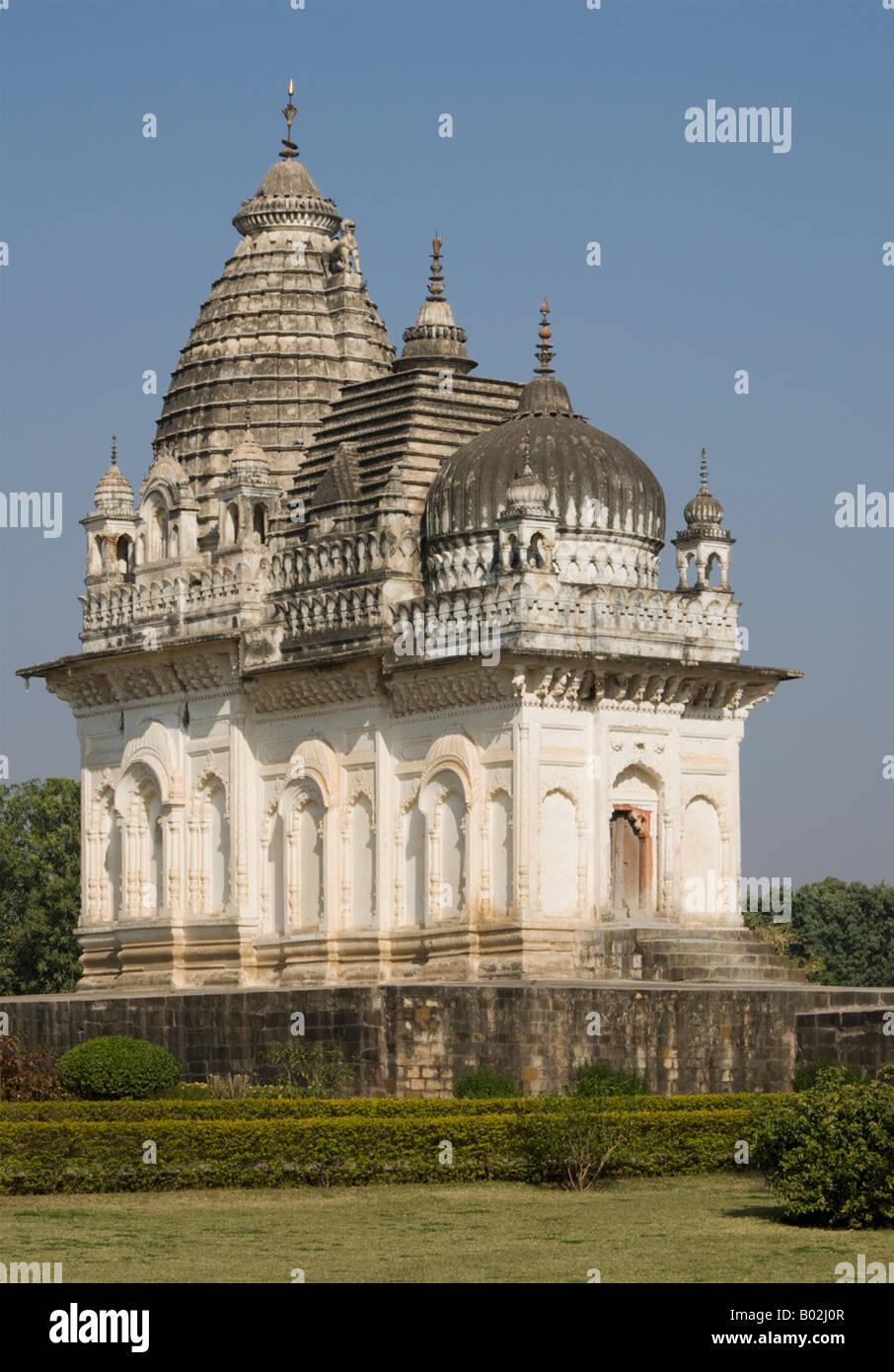 Shiva-Tempel in der westlichen Gruppe der Tempel in Khajaraho, Indien Stockbild