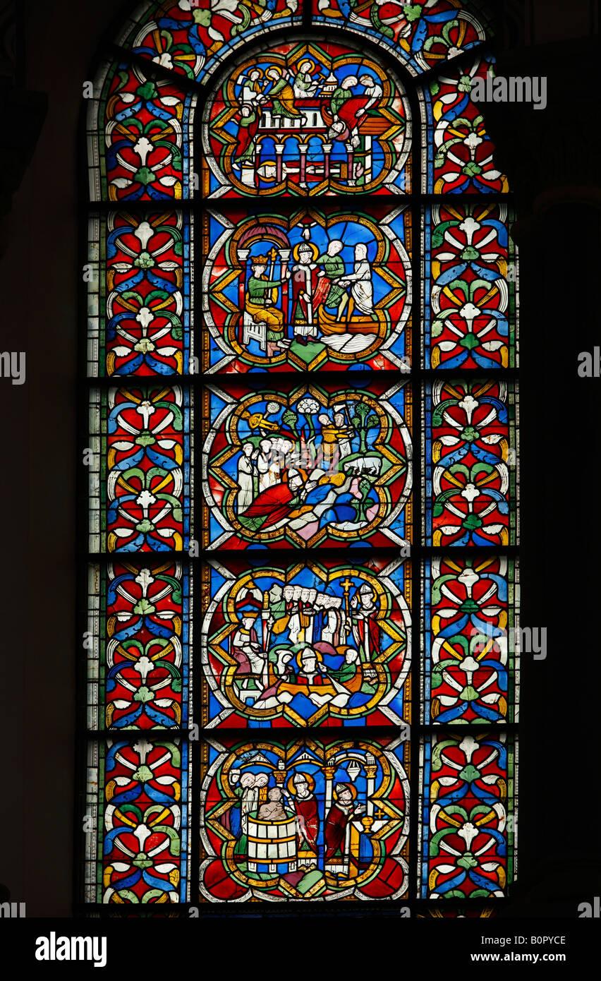 Köln, St. Kunibert, Rechtes Oberes Chorfenster, Leben des Heiligen Clemens Stockbild
