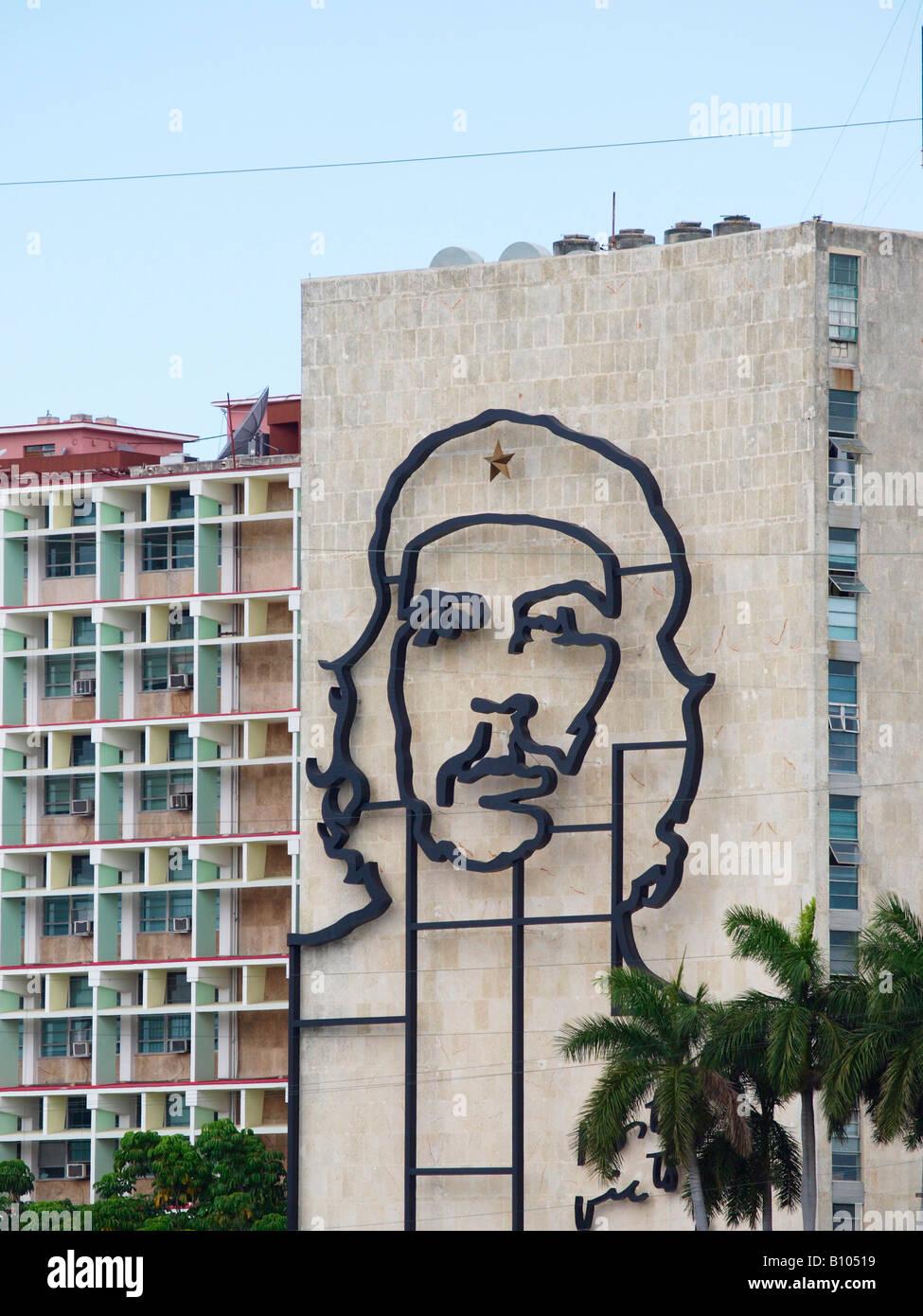 Wandbild Darstellung Ernesto Che Guevara an der Fassade des Ministeriums für innere Gebäude Plaza De La Stockbild