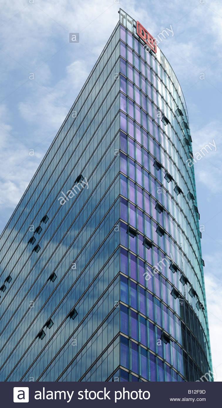 Deutsche Bahn AG Tower, Potsdamer Platz, Berlin, Deutschland.  Entworfen von Helmut Jahn Stockbild