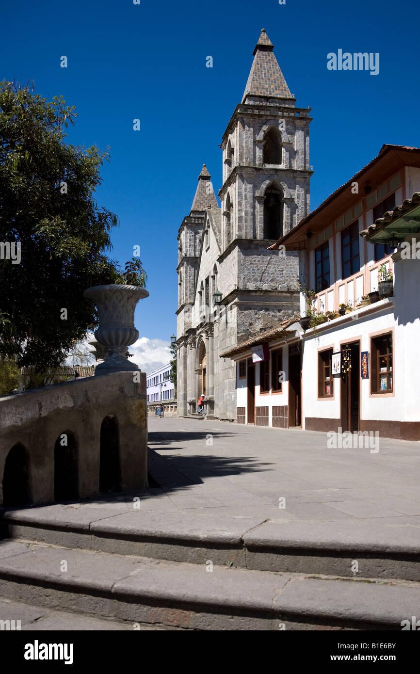Kirche am Hauptplatz in Pujilí Dorf in der Provinz Cotopaxi in Ecuador Stockbild