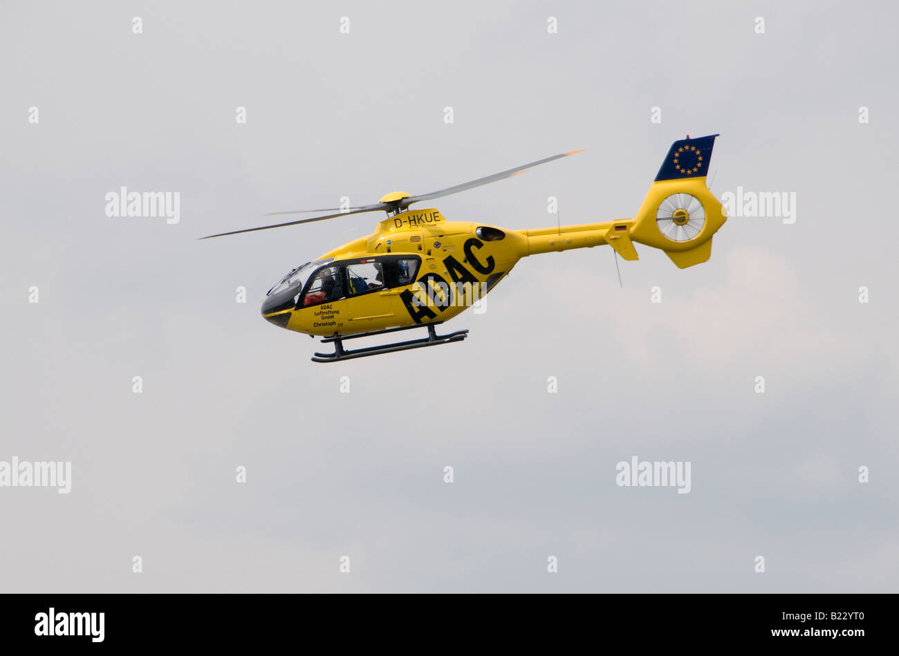 adac helicopter stockfotos adac helicopter bilder alamy. Black Bedroom Furniture Sets. Home Design Ideas