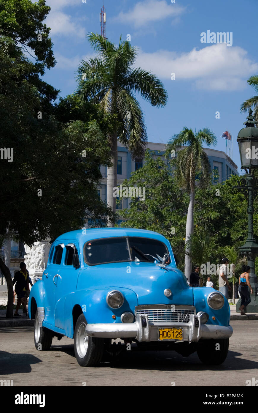 Alte amerikanische Oldtimer im Parque Central in Habana Vieja Havanna Kuba Stockbild