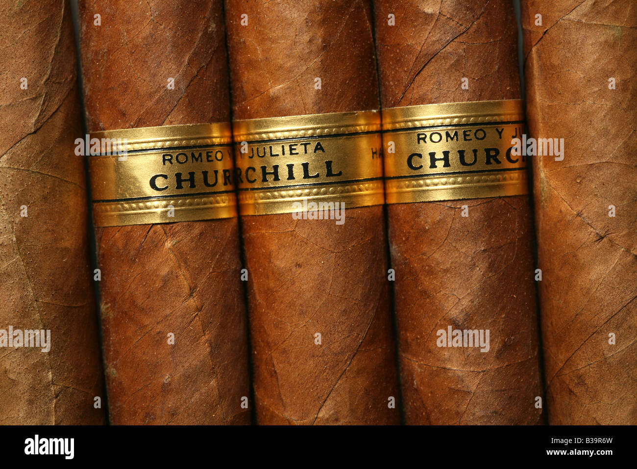 Berühmten kubanischen Zigarren-Romeo y Julieta (Romeo und Julia) Churchill-Größe Stockbild