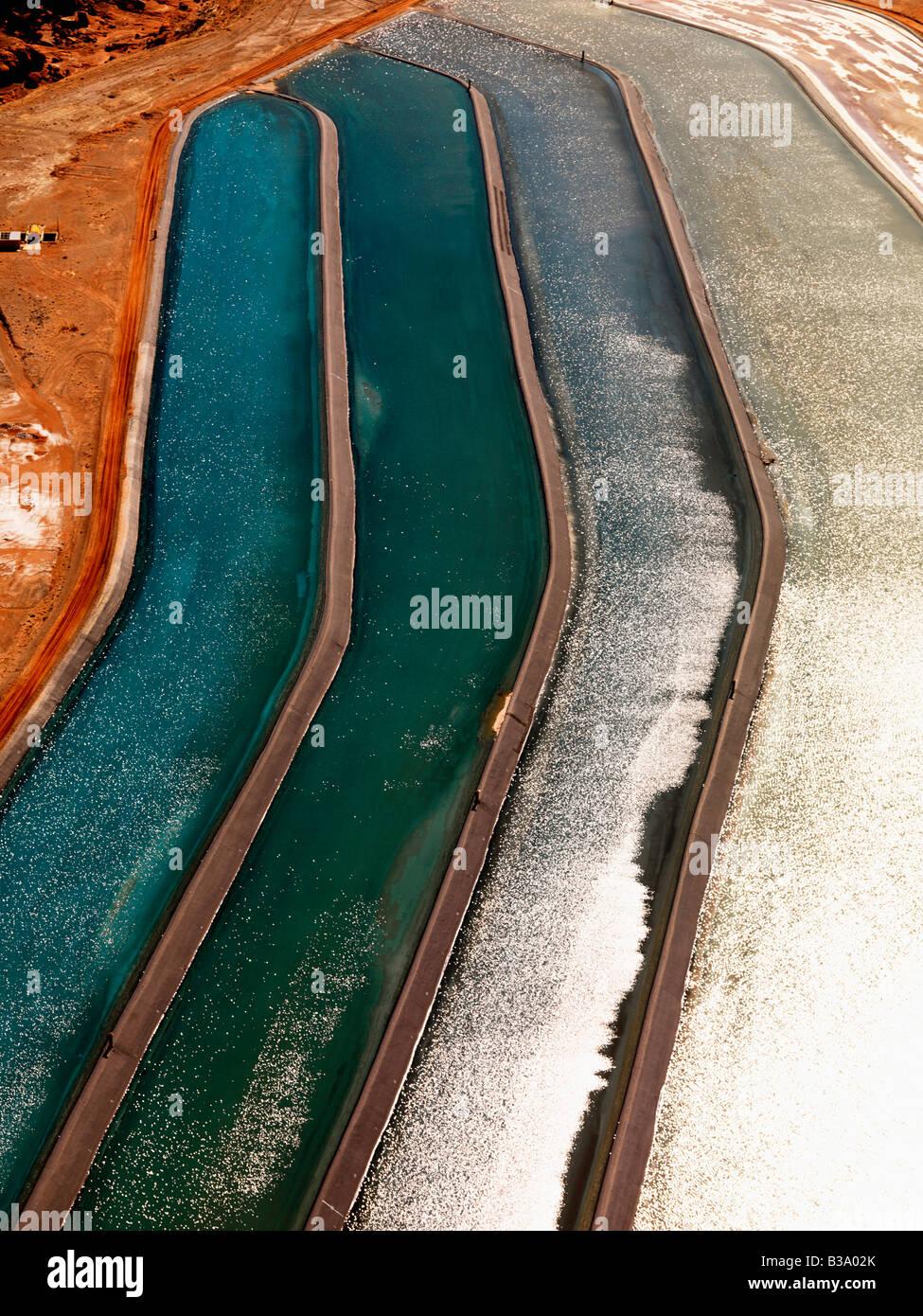 Aerial Detail tailing Teiche für mineralische Abfälle in ländlichen Utah-USA Stockbild