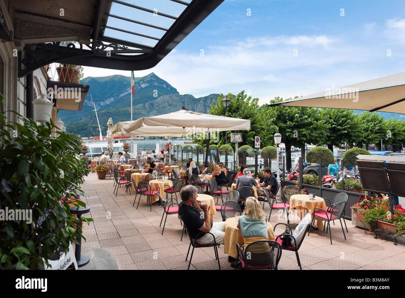 See-Terrassen-Bar des Hotel Metropole, Bellagio, Comer See, Lombardei, Italien Stockbild