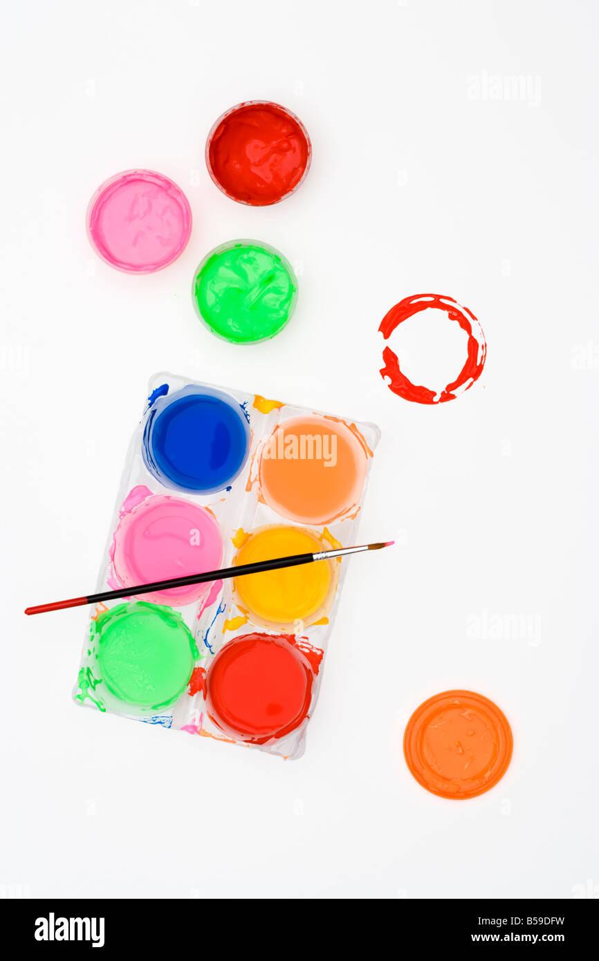 Poster Farben und Pinsel Blick von oben Stockbild