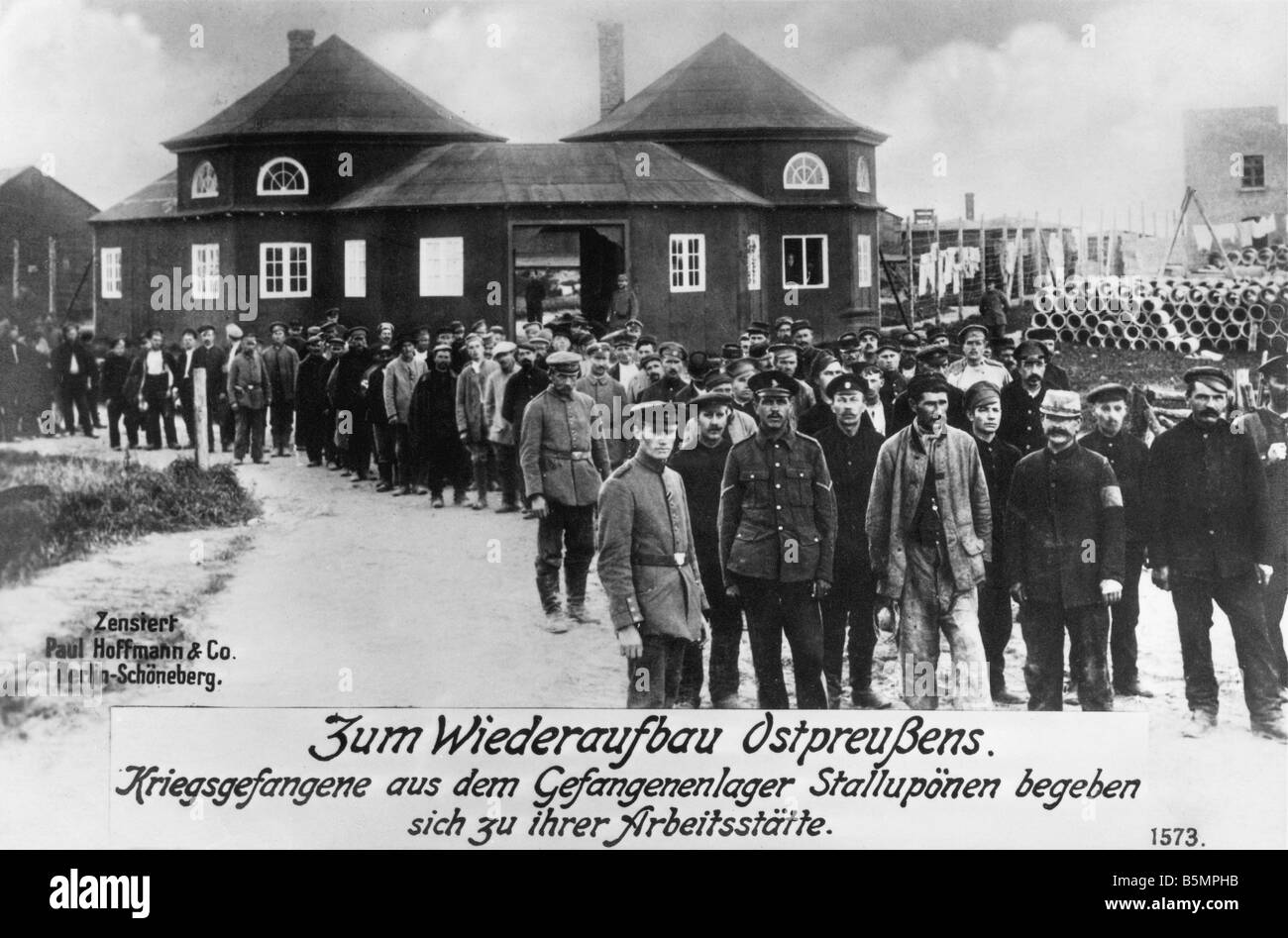 9 1916 0 0 A3 E Kriegsgefangene in Stalluponen Camp Weltkrieg 1 Kriegsgefangene in Gefangenen in Ostpreußen Stockbild