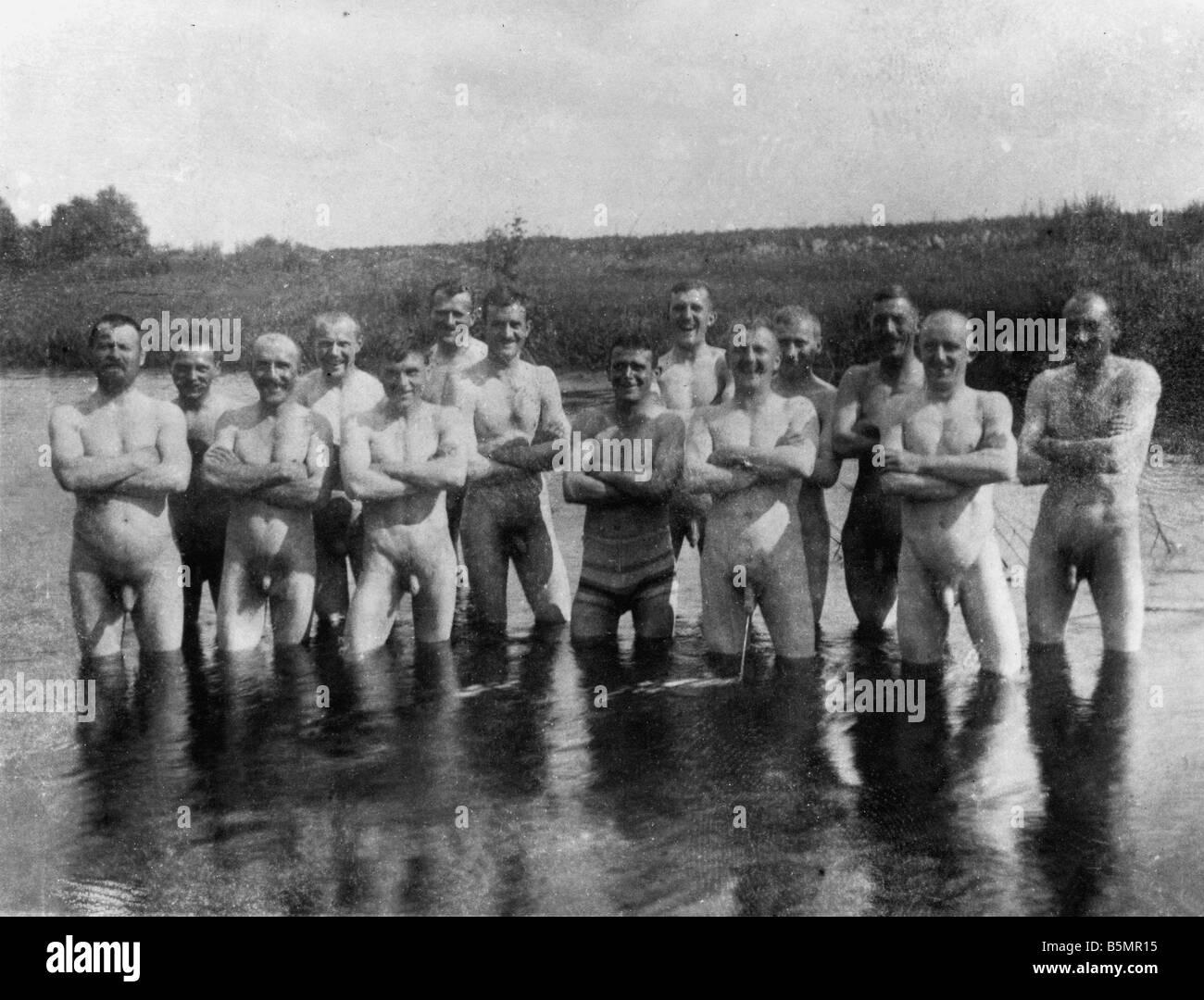 9 1916 7 0 A1 E Ost Fr Bild des Soldaten Bad Pho 1. Weltkrieg Eastern Front Group Bild des Soldaten in Kalwarja Stockbild