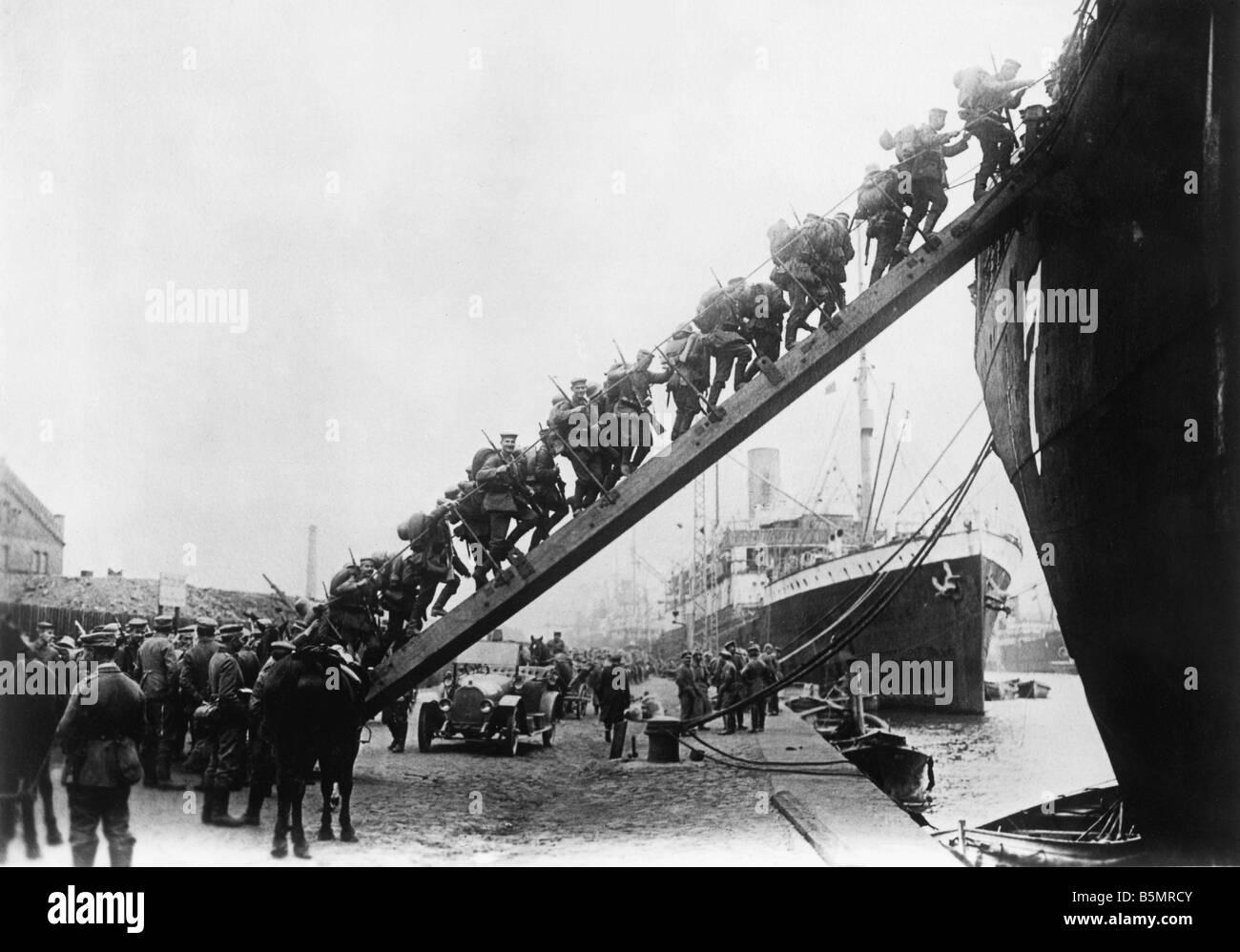 9-1917-10-12 A1 E WW1 erobern von Oesel Foto 1. Weltkrieg Ostfront erobern von Oesel Mond und Dagoe 11. bis 20. Stockbild