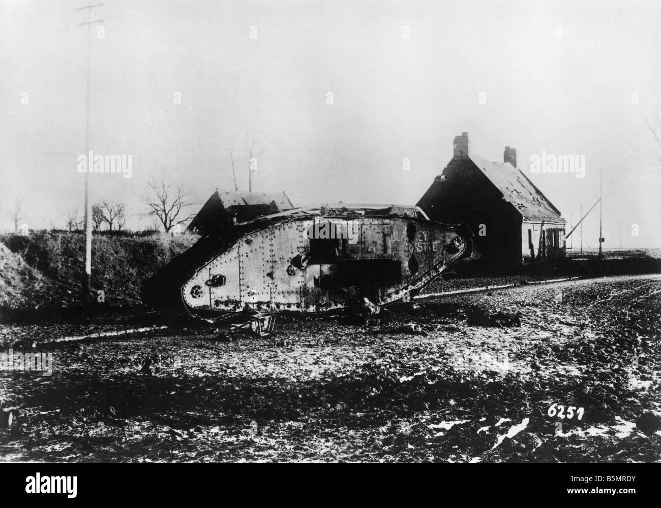 9-1917-11-20 A2 15 E zerstört englischen tank Nov 1917 Erster Weltkrieg 1914-18 1 Western Front Panzerschlacht Stockbild