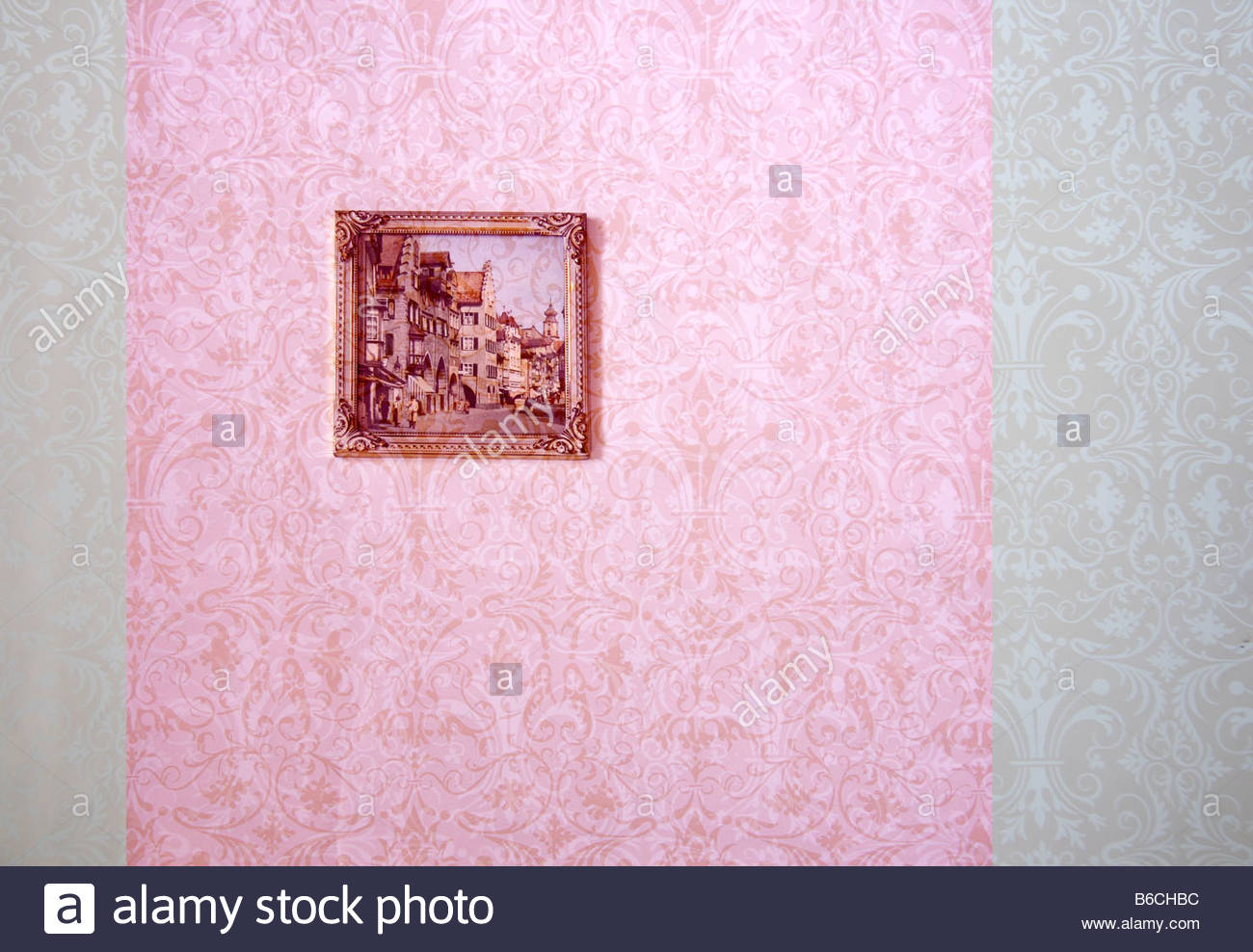 wallpaper hanging horizontal stockfotos wallpaper hanging horizontal bilder alamy. Black Bedroom Furniture Sets. Home Design Ideas