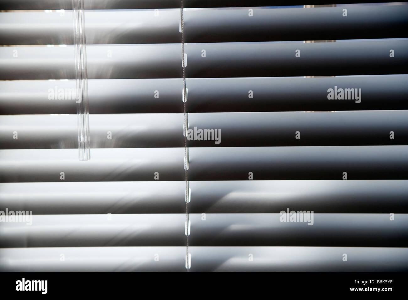 Abstrakte Foto des Sonnenlichts auf Horizontal-Jalousien Stockfoto