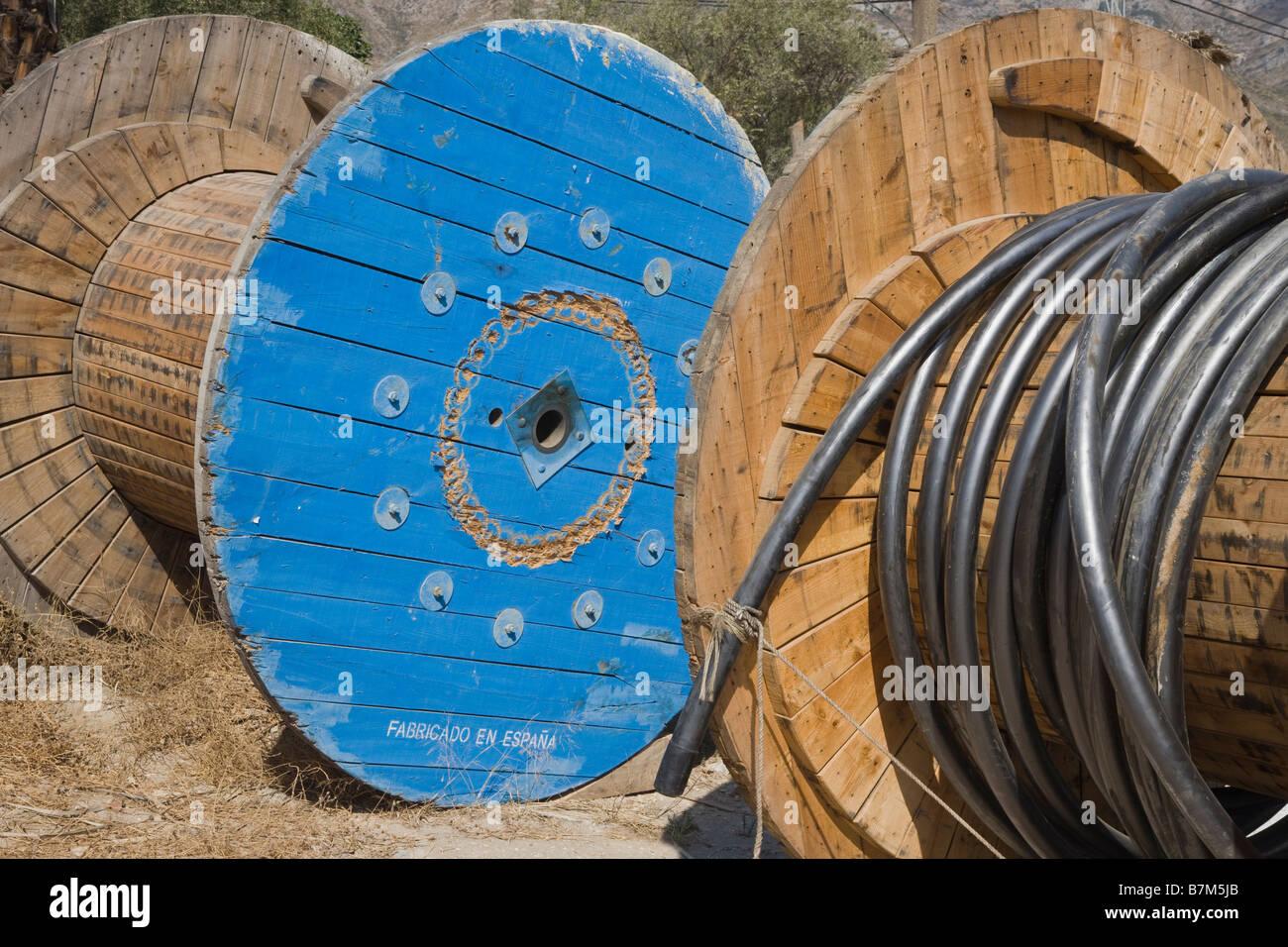 Rollen von Hochspannung elektrische Kabel Stockbild