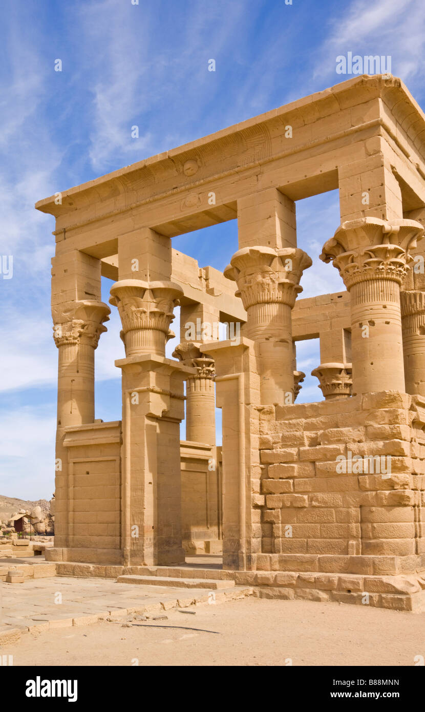 Kiosk des Trajan auf die Tempel der Isis Assuan Philae Oberägypten Middle East Stockbild