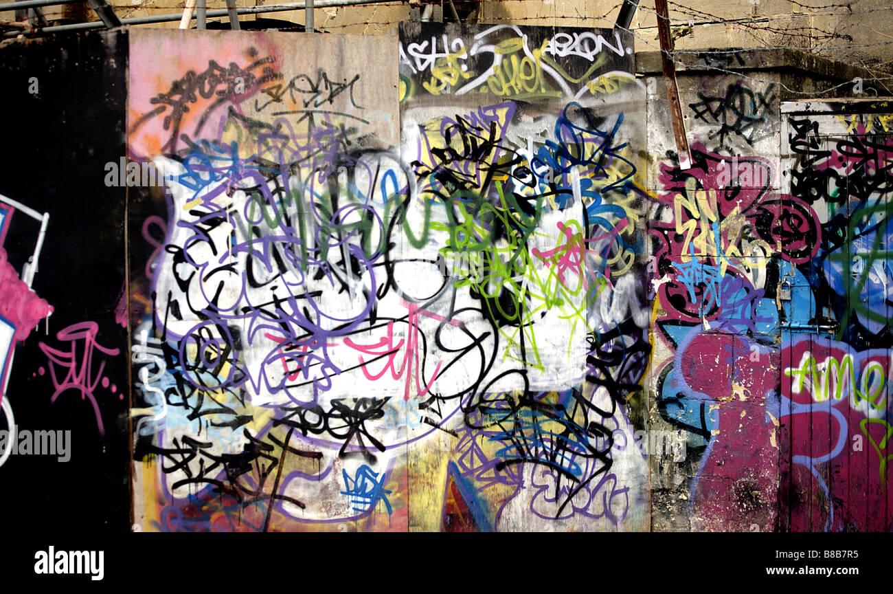 Farbe Landschaft Bild von Graffiti auf der Berliner Mauer in Deutschland. Stockbild