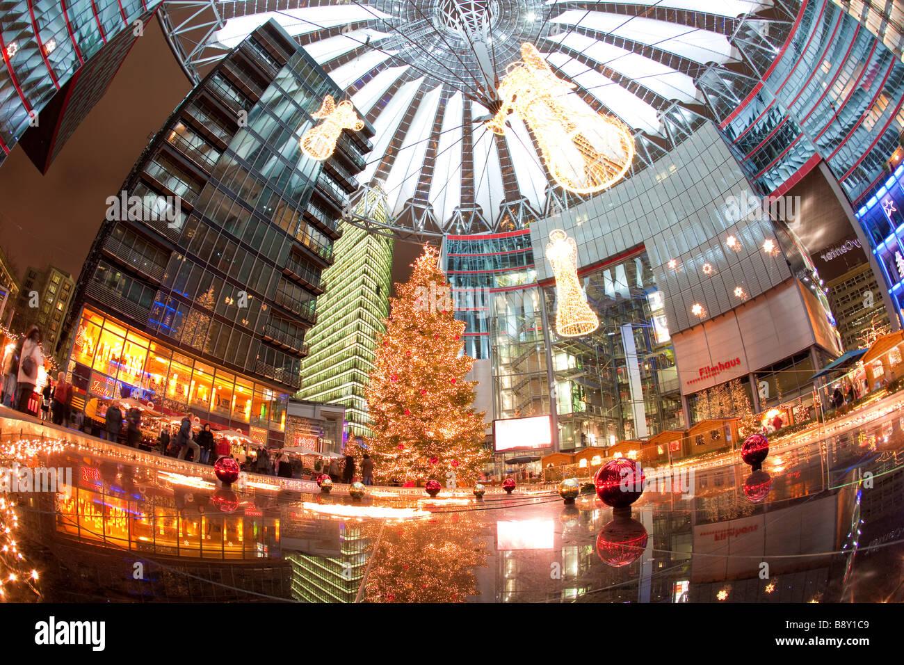 Sony Center am Potsdamer Platz Berlin Deutschland Weihnachten Stockbild