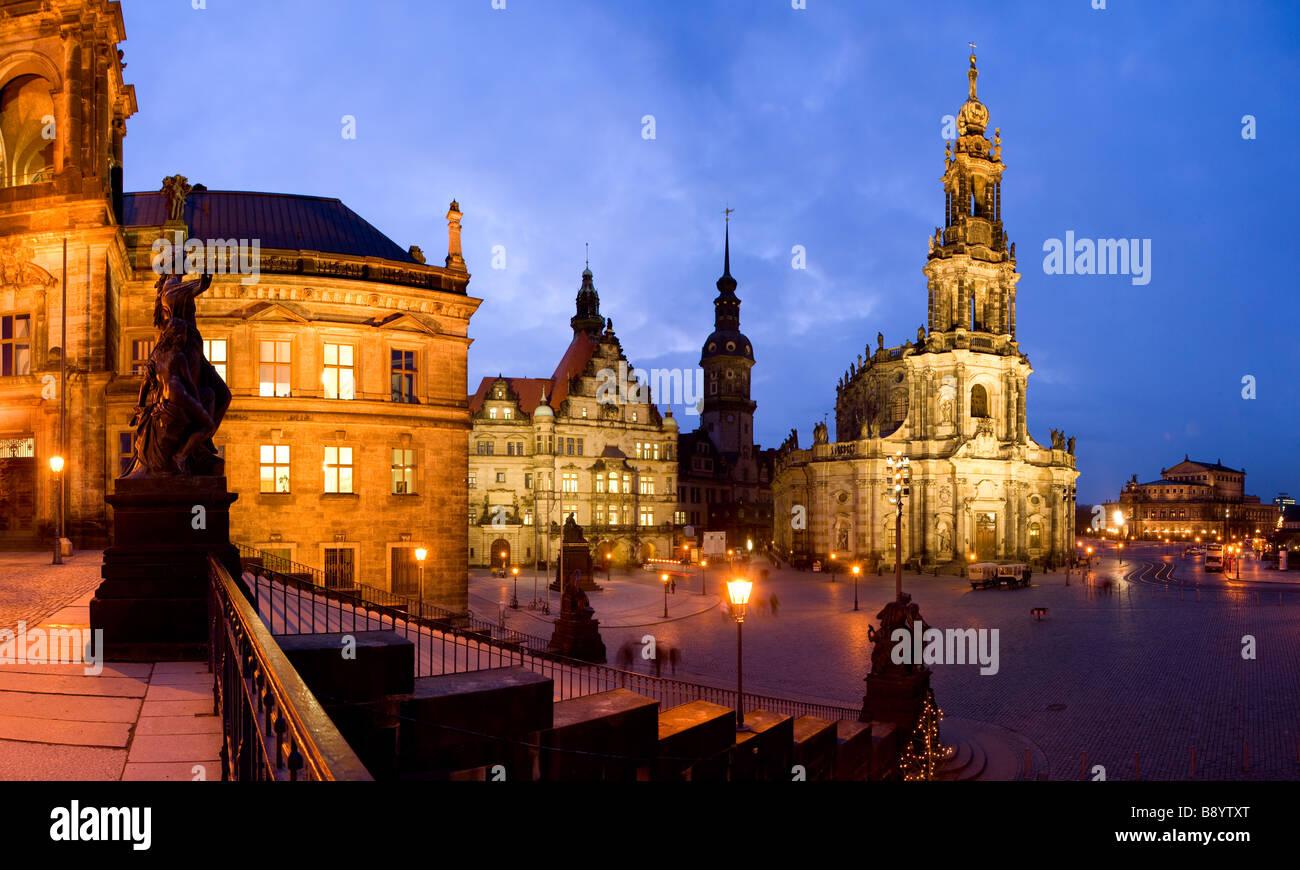Hofkirche und die Semperoper Opernhaus Dresden Sachsen Deutschland Stockbild