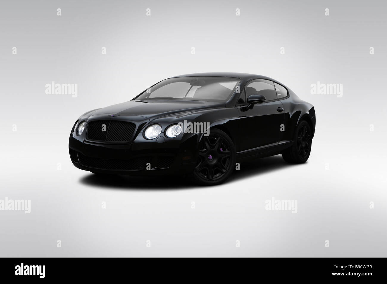 2009 Bentley Continental GT in schwarz - Winkel-Vorderansicht Stockbild