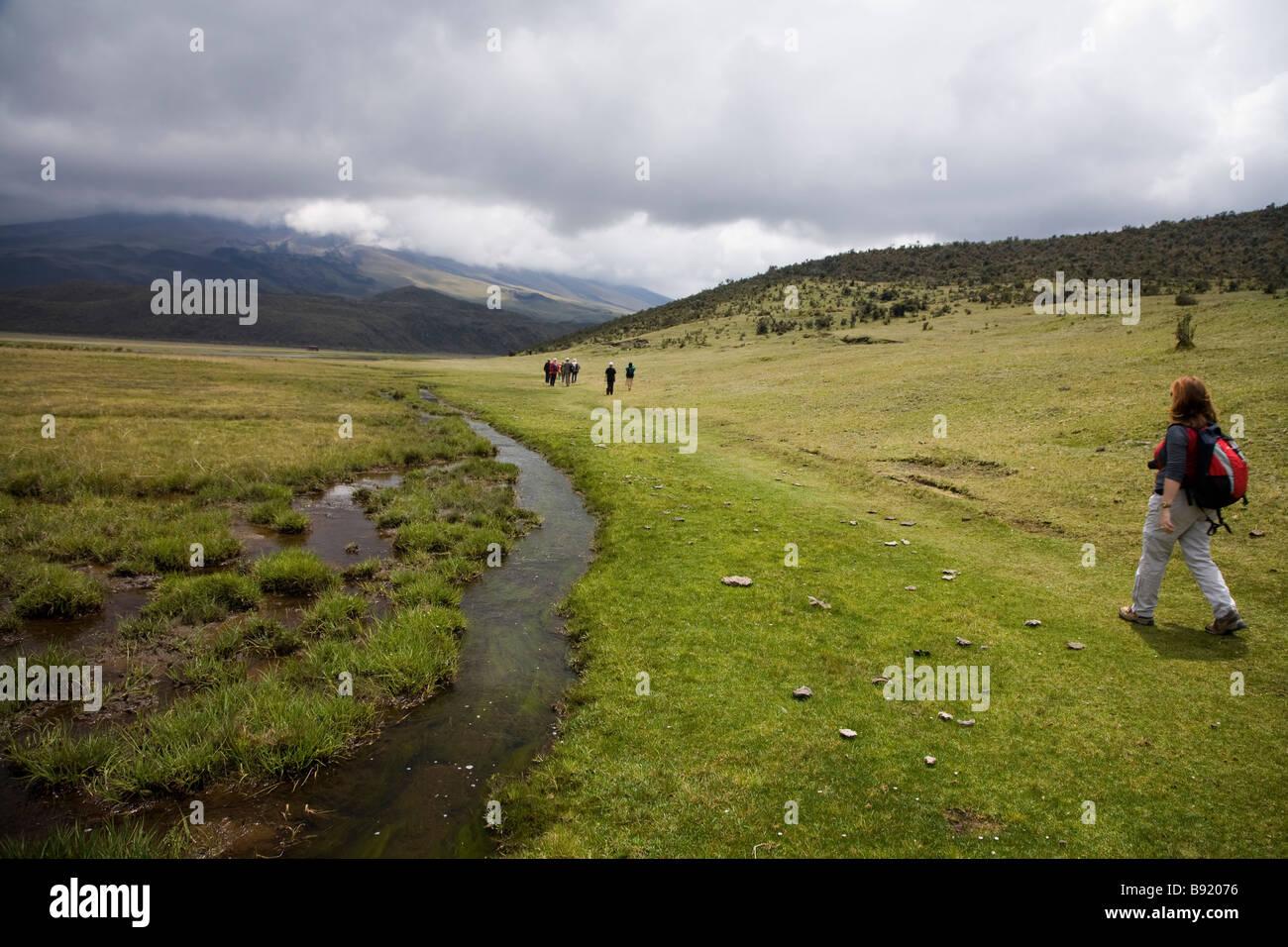 Fuß neben See Limpio Pungo, Provinz Cotopaxi in Ecuador Stockbild