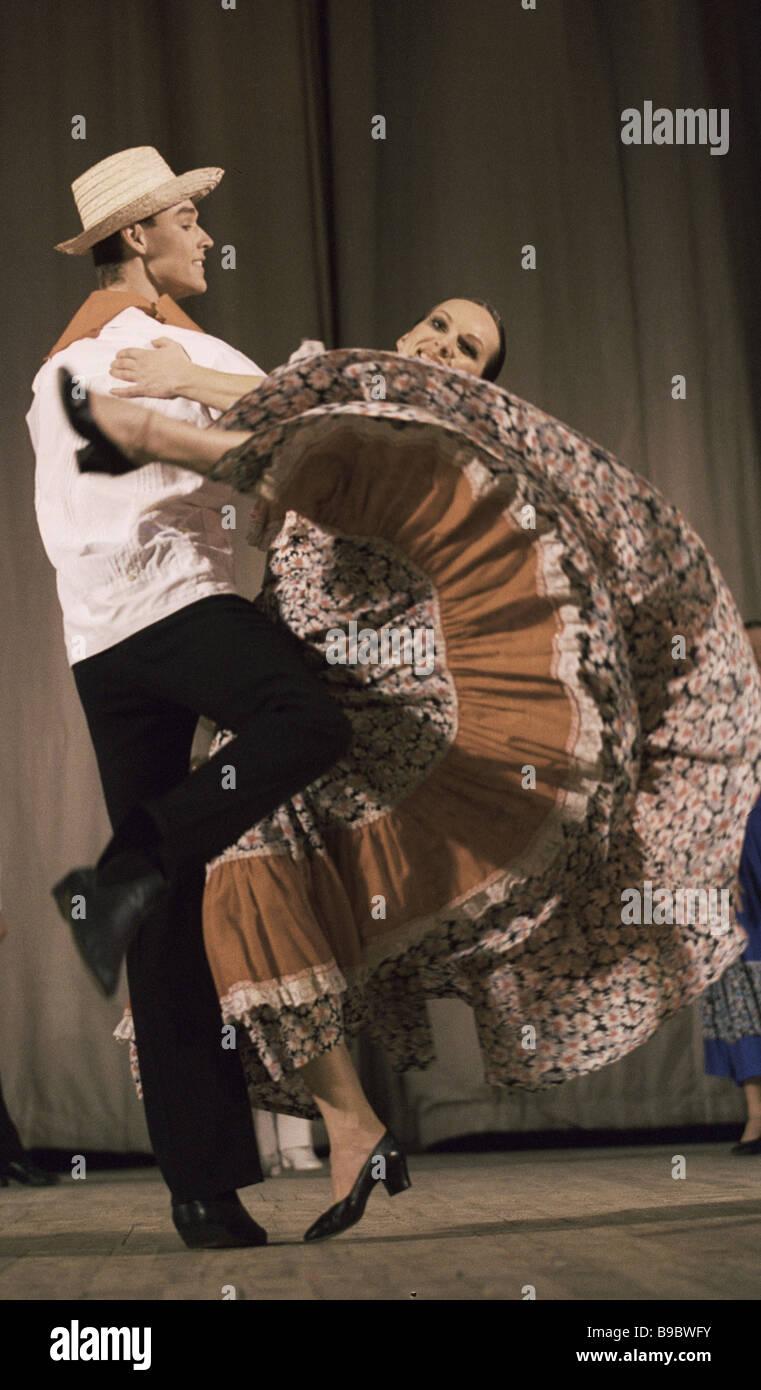 Die lateinamerikanischen Tanz, vom Moisejew Orden der Freundschaft akademischen Folk Dance company Stockbild