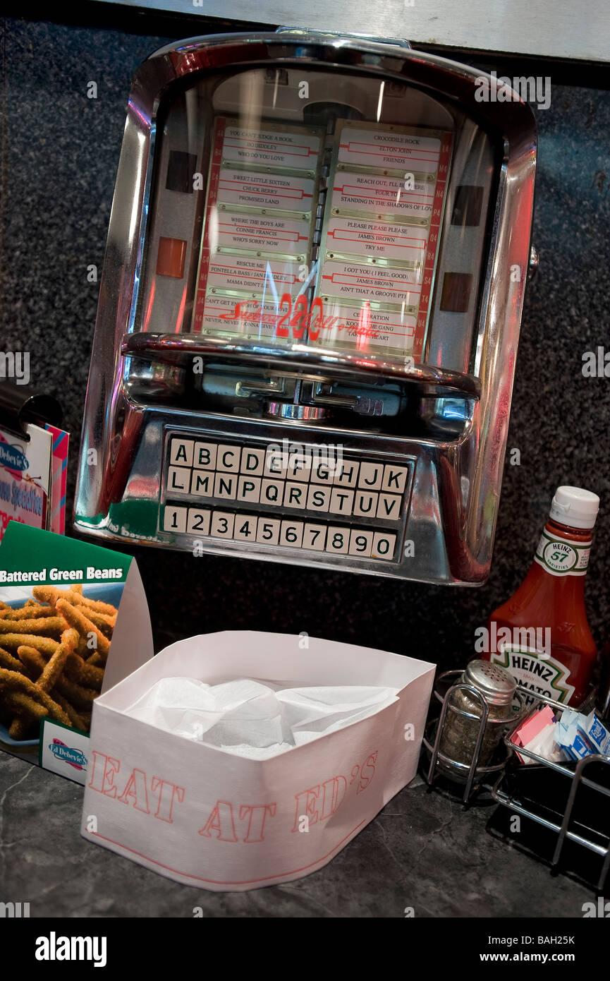 USA, Illinois, Chicago, Ed Debevic, ein 50er Jahre Diner, jukebox Stockbild