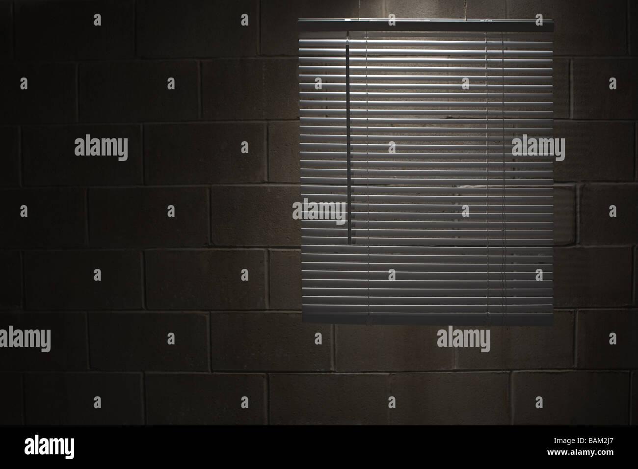 Blind durch eine Wand Stockbild