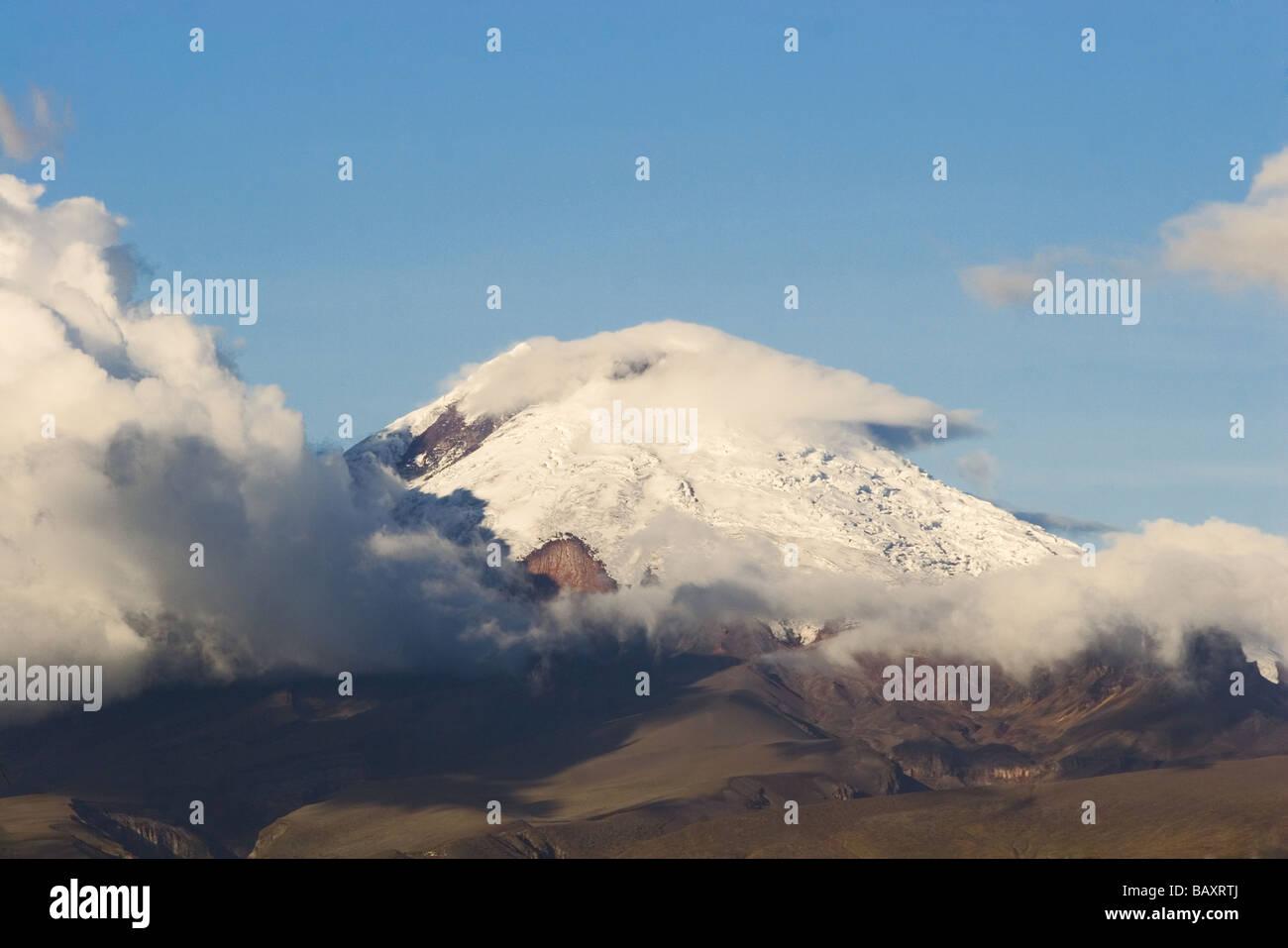 5897 m Volcan Cotopaxi zweite höchsten Vulkan in Ecuador gesehen von Latacunga, Provinz Cotopaxi, Hochland, Stockbild