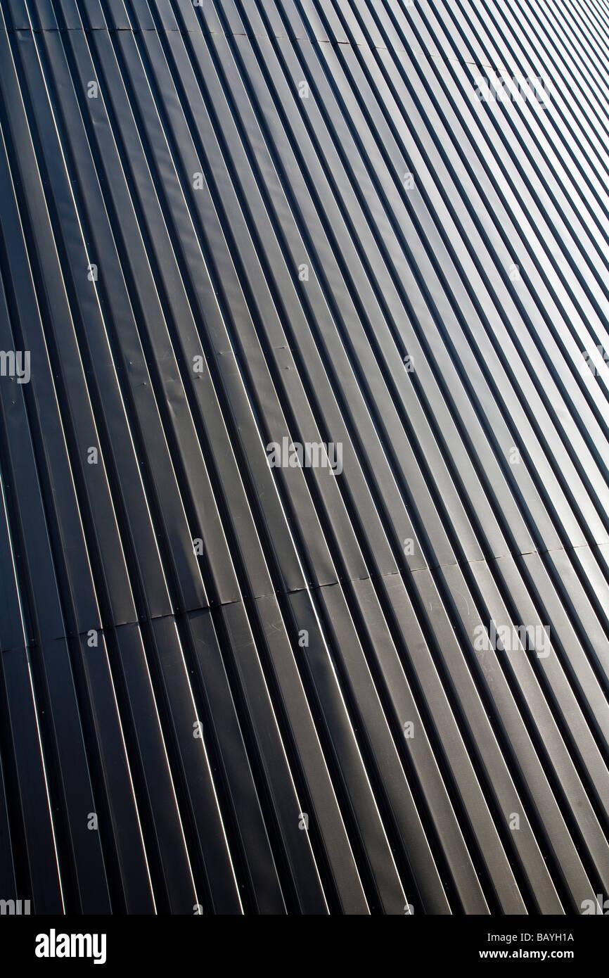 Wand aus Wellblech-Platten (CGI) Stockbild