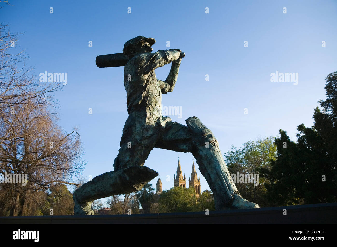 Statue des Don (Sir Donald Bradman) im Adelaide Oval in North Adelaide. Adelaide, South Australia, Australien Stockbild