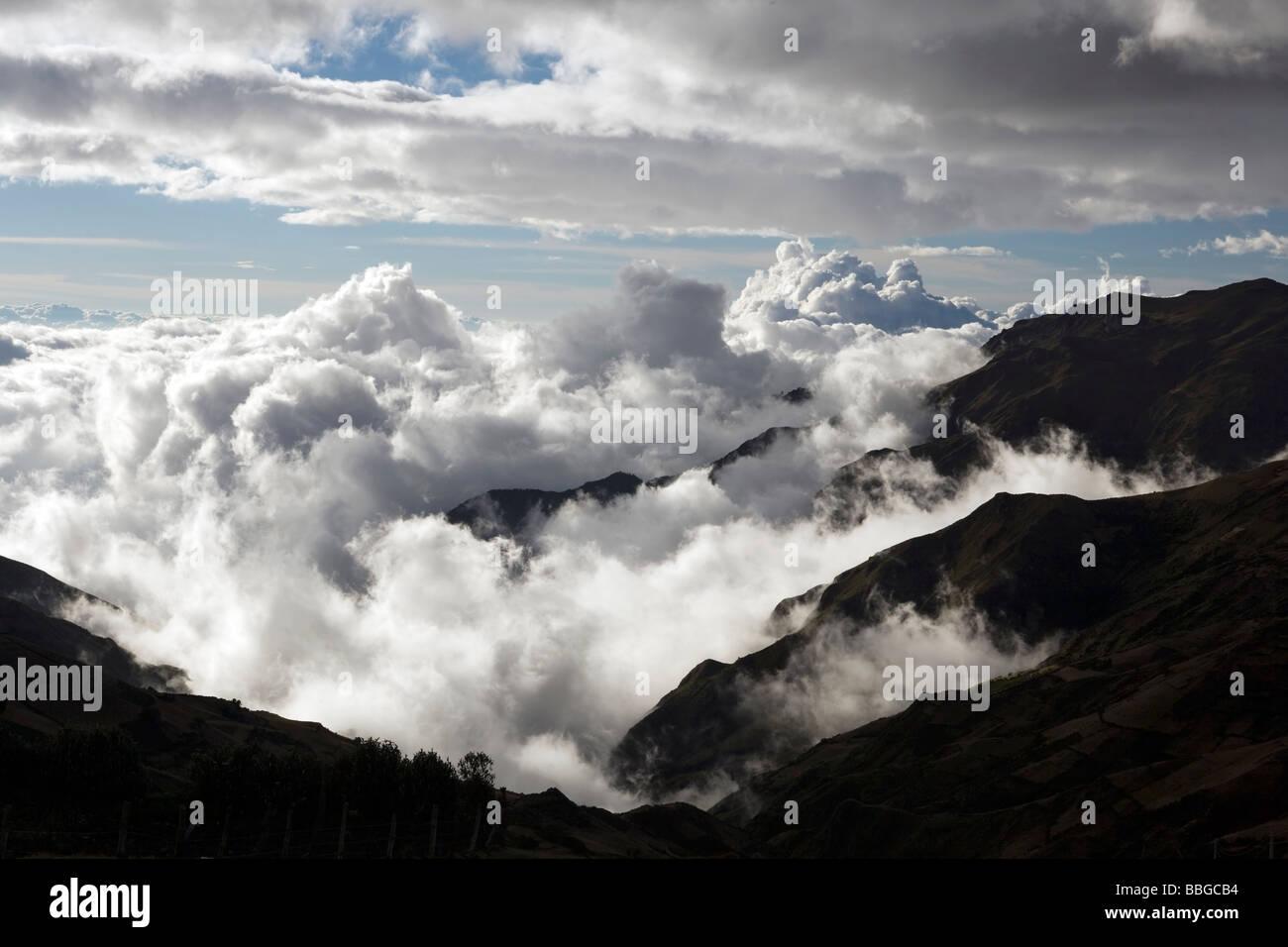 Wolken in der Anden - in der Nähe von Latacunga, Provinz Cotopaxi, Ecuador Stockbild