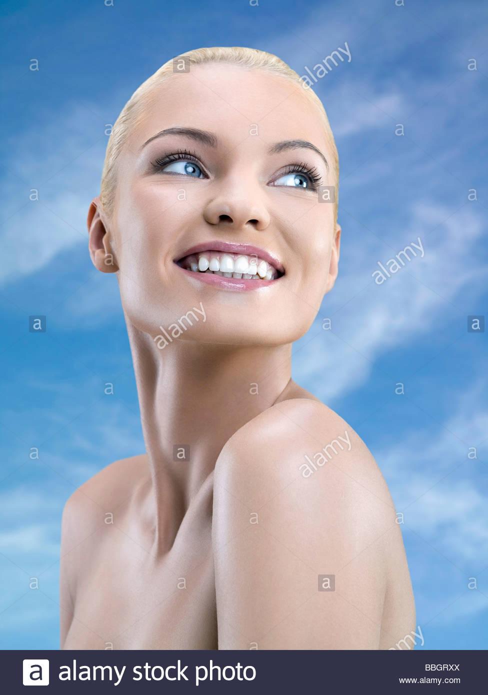 Junge Frau Portrait, Studio gedreht Stockbild