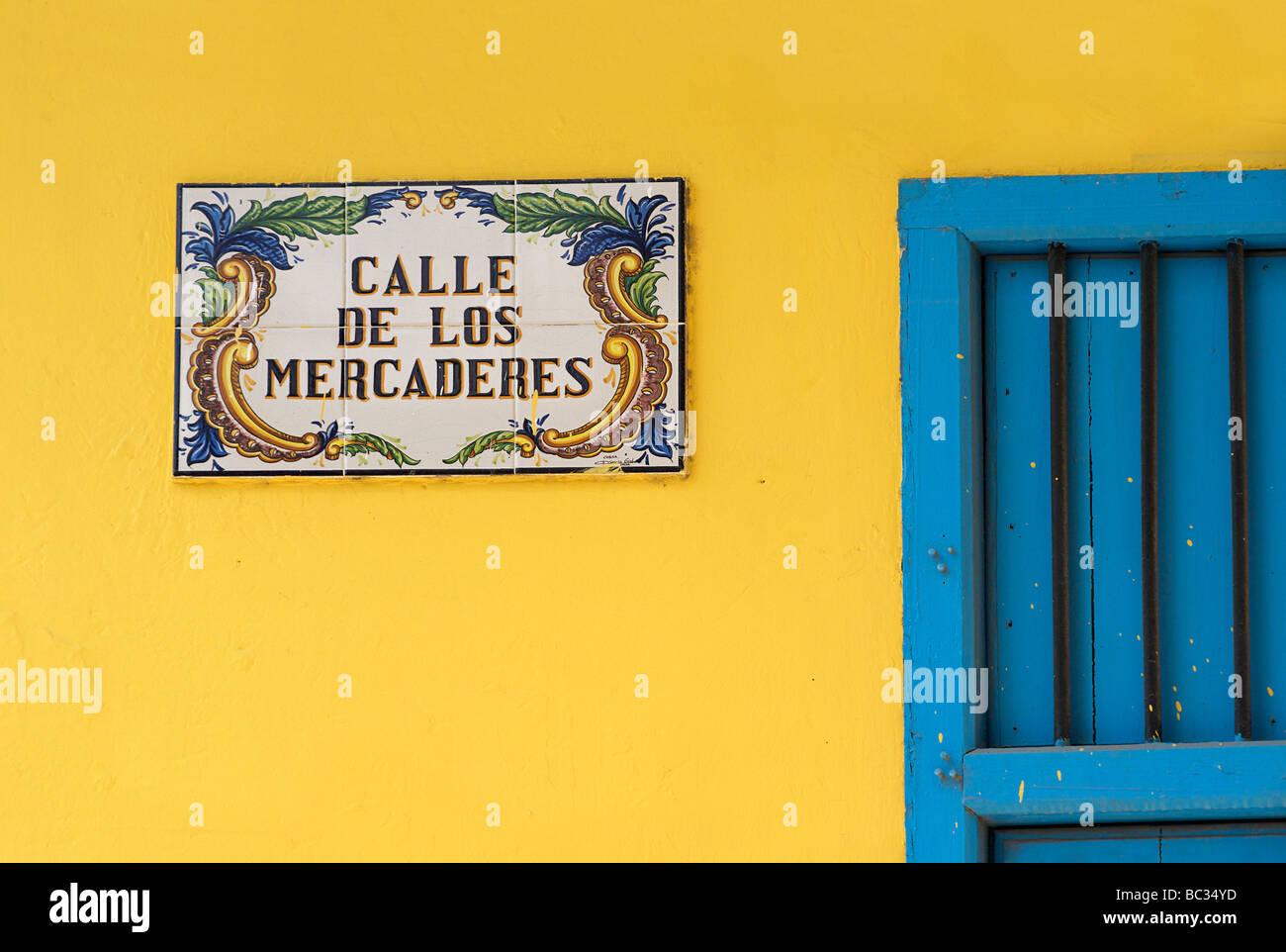 CALLE DE LOS MERCADERES, Straßenschild, Alt-Havanna, Kuba Stockbild
