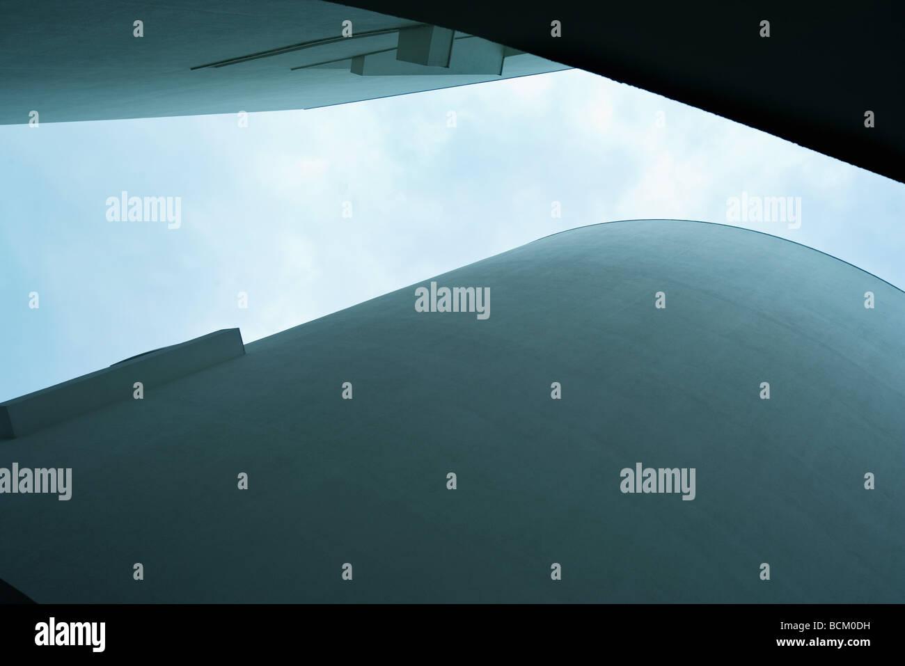 Architektonische Schuss, Blick vom direkt unten Stockbild