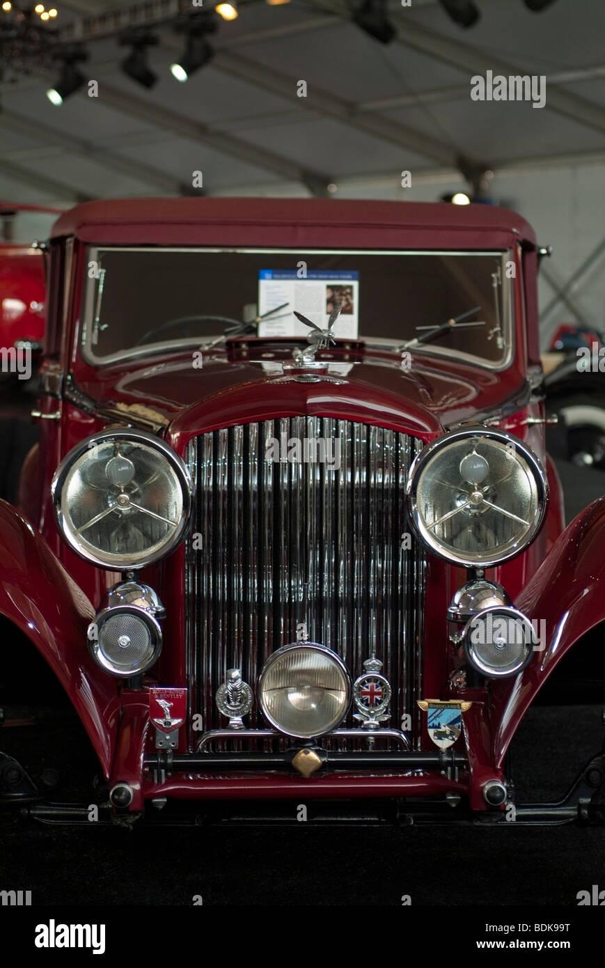 1934 Bentley 3 1/2-Liter-Drop Head Coupé in Gooding & Firma Zelt am Pebble Beach Concours d ' Elegance Stockbild