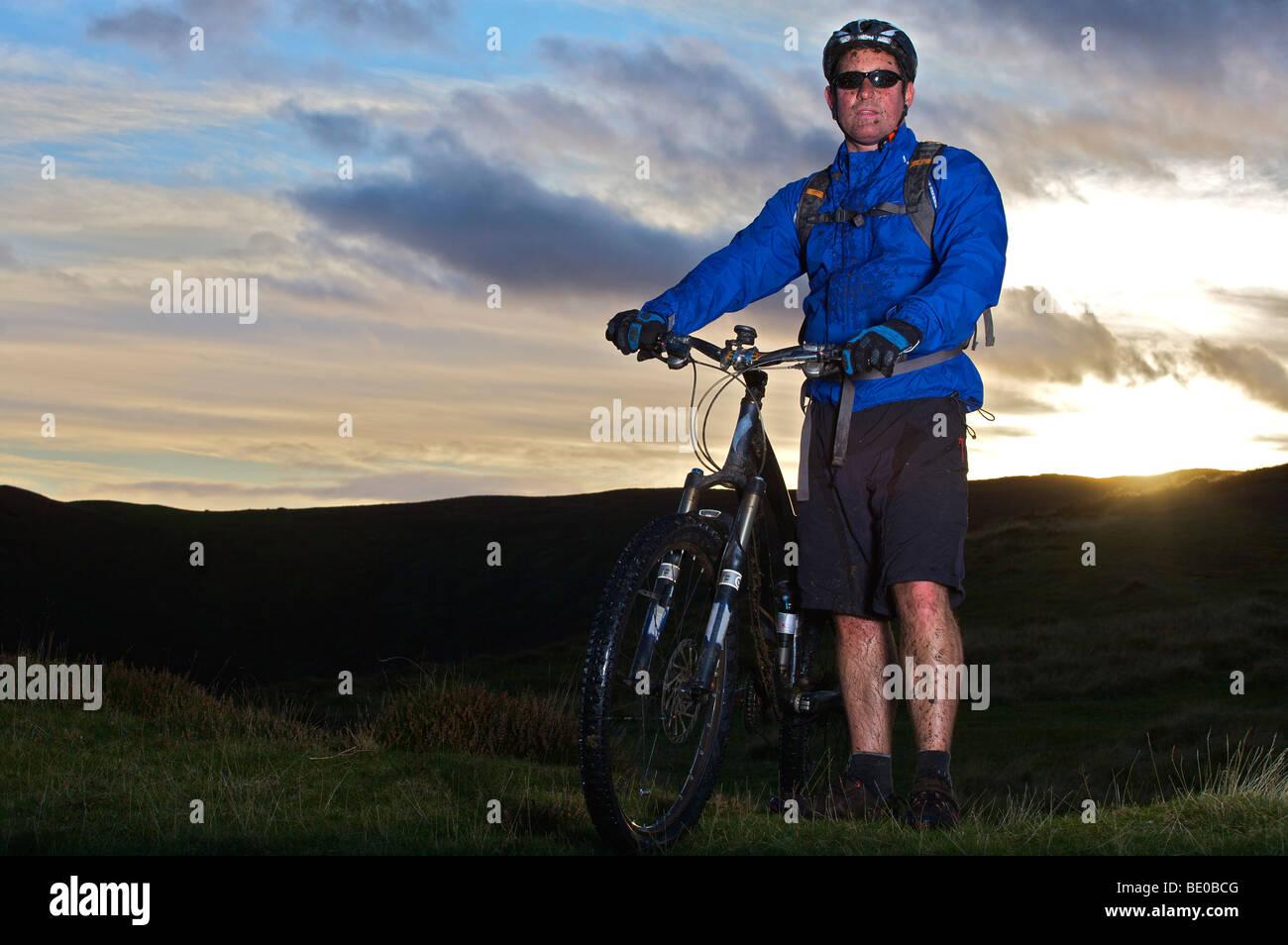 Porträt eines Mountain-Bikers. Stockbild