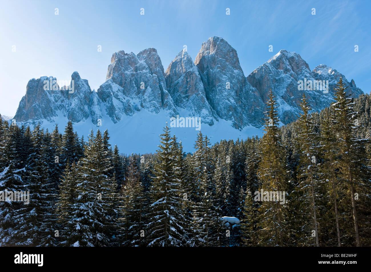 Winter-Landschaft, Le Geisler Gruppe/Geisler Rollen, Val di Funes, italienischen Dolomiten, Trentino-Alto Adige, Stockbild