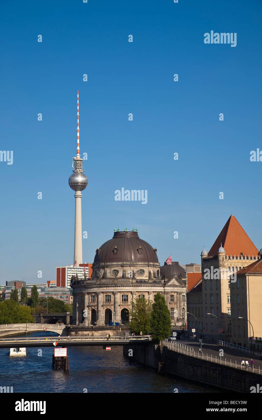 Berlin - Spree, Bodemuseum und Fernsehturm, Fernsehturm Stockbild