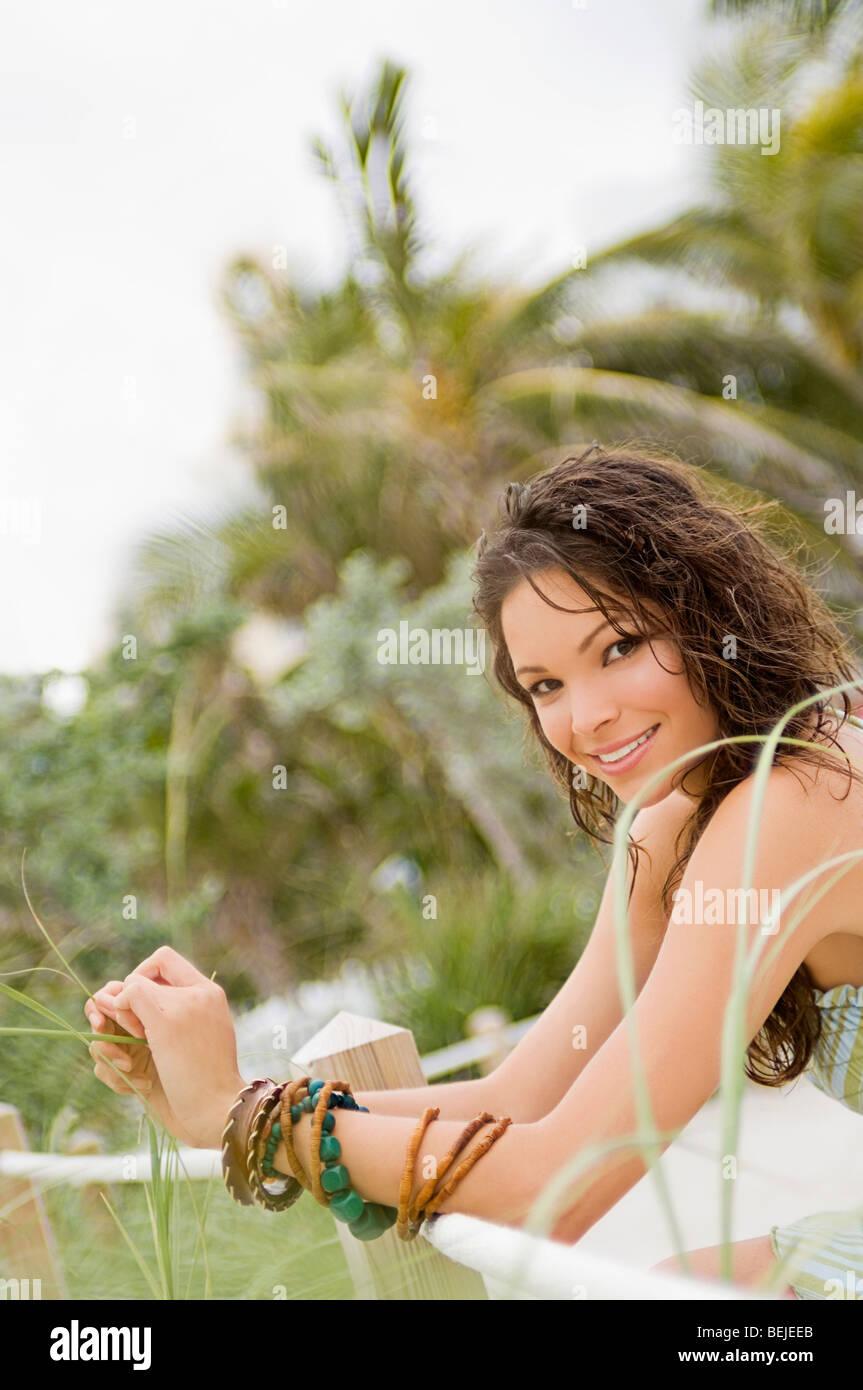 Porträt einer jungen Frau, Lächeln Stockbild