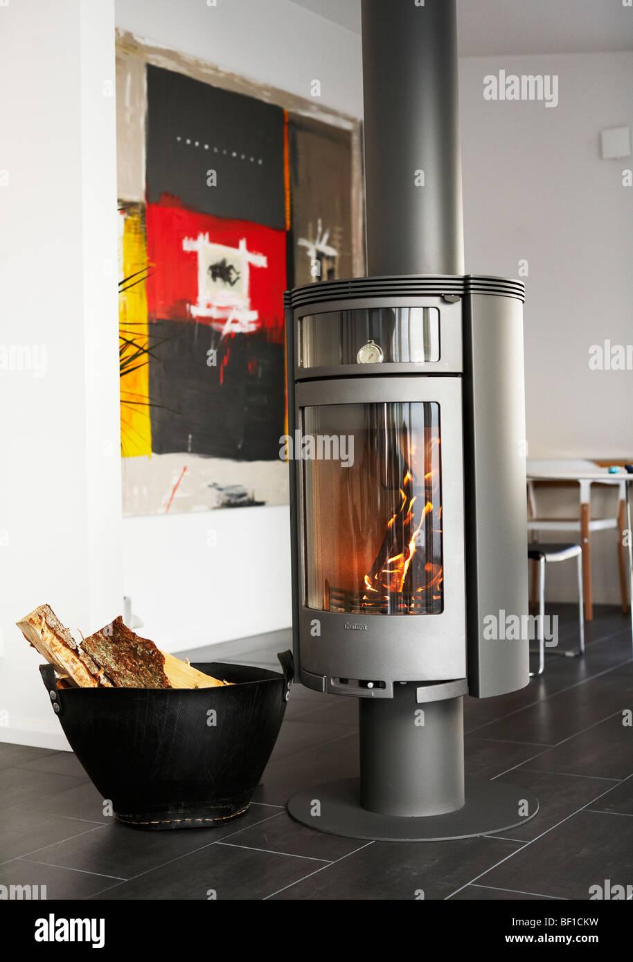 ein ofen im wohnzimmer schweden stockfoto bild 26462125 alamy. Black Bedroom Furniture Sets. Home Design Ideas